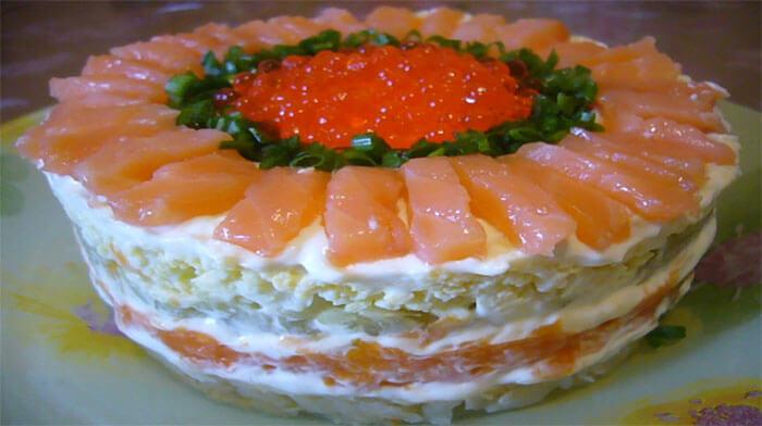 Слоеный салат с лососем слабосоленым рецепт с