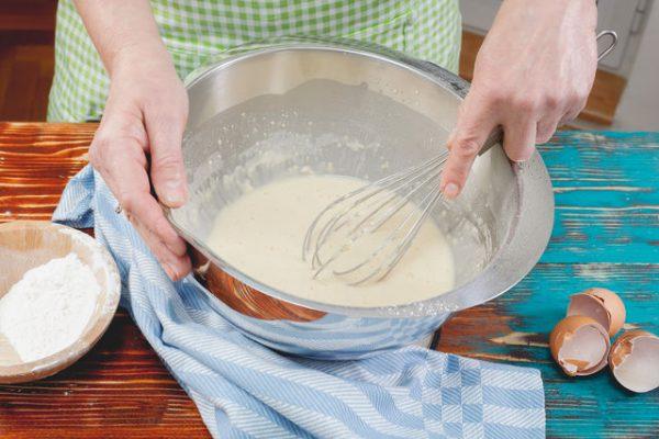 Тесто на тонкие блинчики на молоке и воде