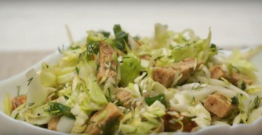Салат «Короли и капуста»: бесподобный рецепт мясного салата из доступных продуктов без майонеза